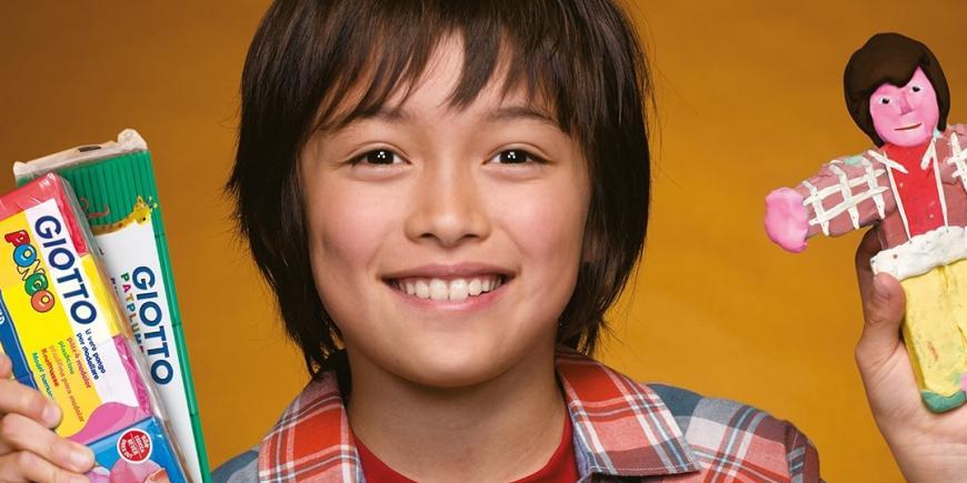 chlapec s plastelínou PONGO